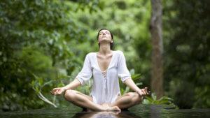 6 дыхательных техник, помогающих расслабиться за 10 минут