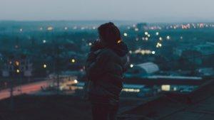 Ты одна потому, что боишься